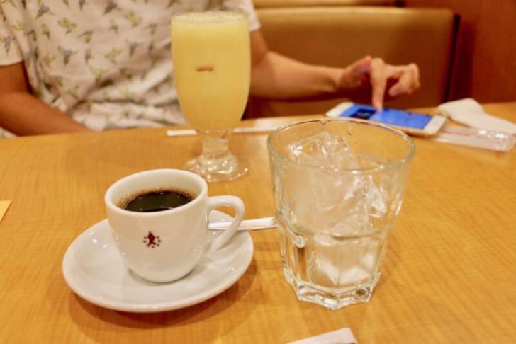 アイスコーヒーとミックスジュース