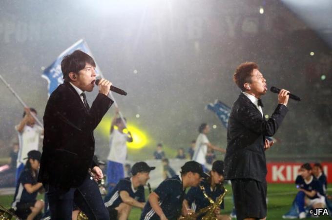 ウカスカジー(Mr.Children 桜井和寿、GAKU-MC)