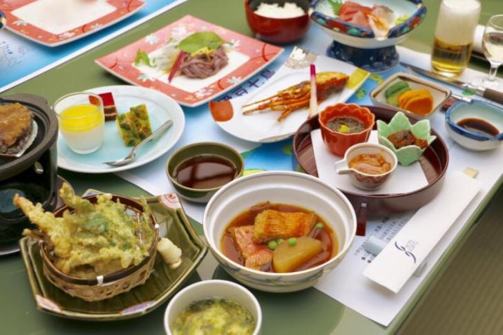 ホテル伊豆急の会席料理