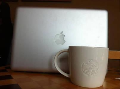 MacBook Proの1/4以上のサイズのマグカップ