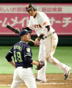 Ishikawa did a lot of turning back today.
