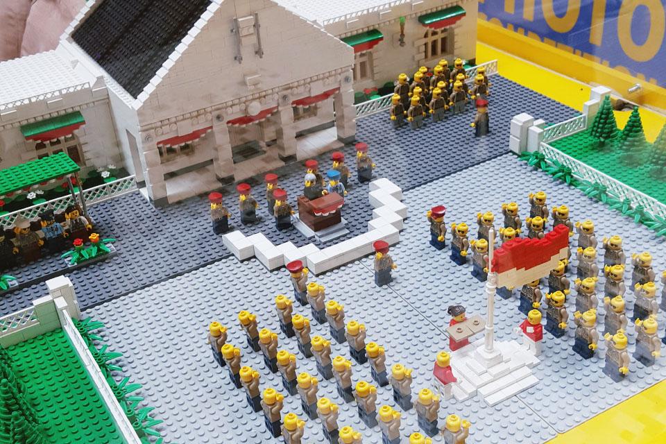 LEGO upacara