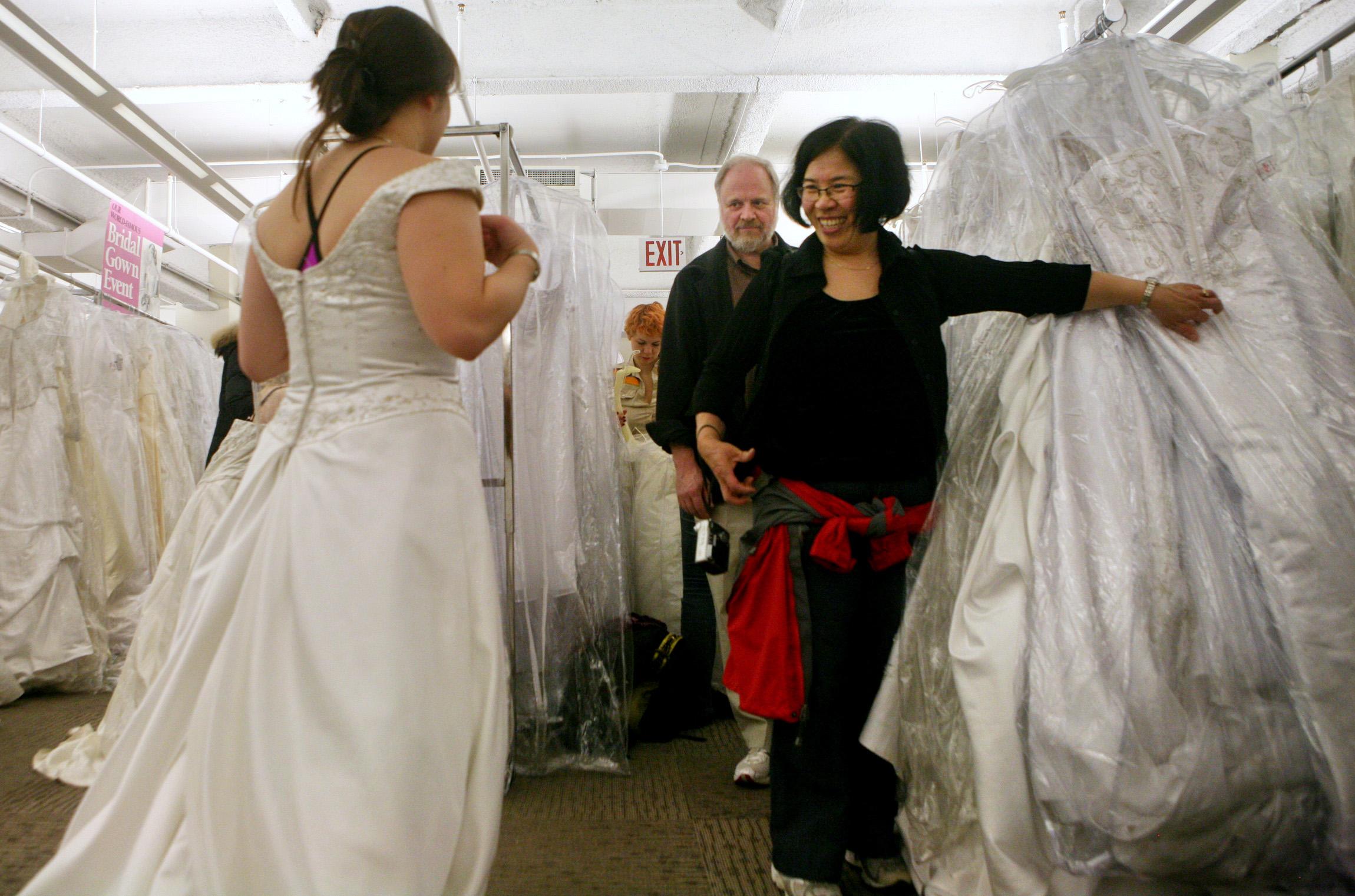 Say 'I Do' To Wedding Dress Savings