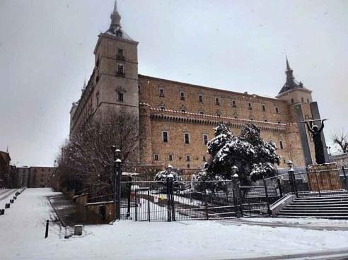 Alcázar de Toledo nevado