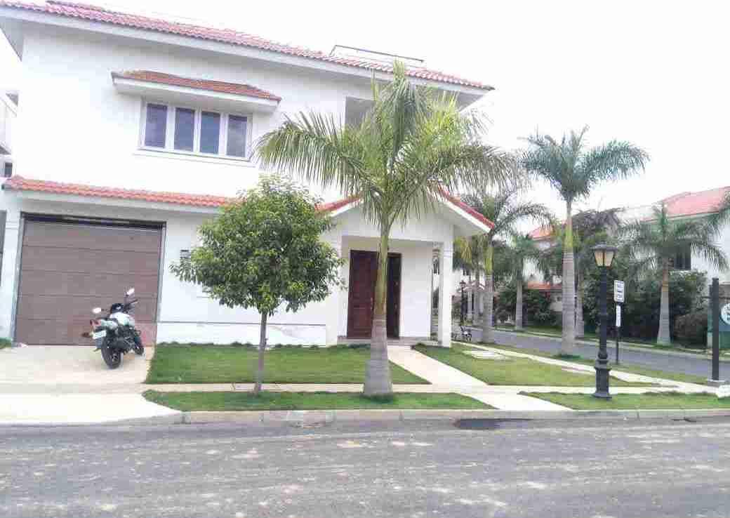 adarsh palm retreat