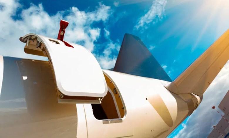 uçak kapısı