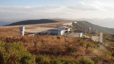 Photo of Havalimanına inerken yaklaşma ışıklarına vurdu