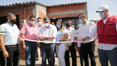 Photo of Gobernador Orozco entregó 50 casas a familias indígenas en Natagaima