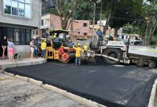 Photo of Alcaldía invirtió más de $600 millones en los arreglos de las calles del barrio San Luis