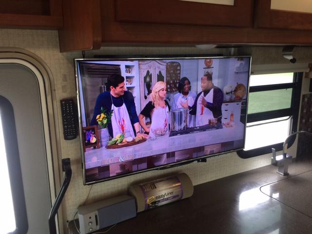 Kitchen TV 2016 Winnebago Itasca