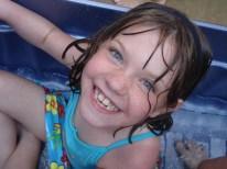 smiling-girl-1564131-1600x1200