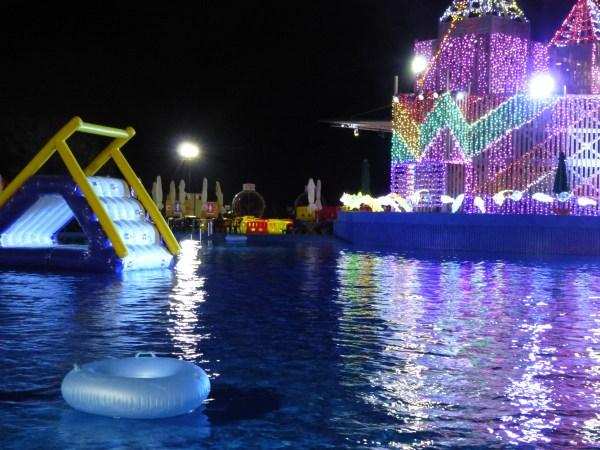 伊豆ぐらんぱる公園 ナイトプール 浮き輪