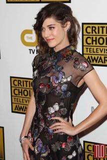 Lizzy Caplan In Valentino 2014 Critics Choice