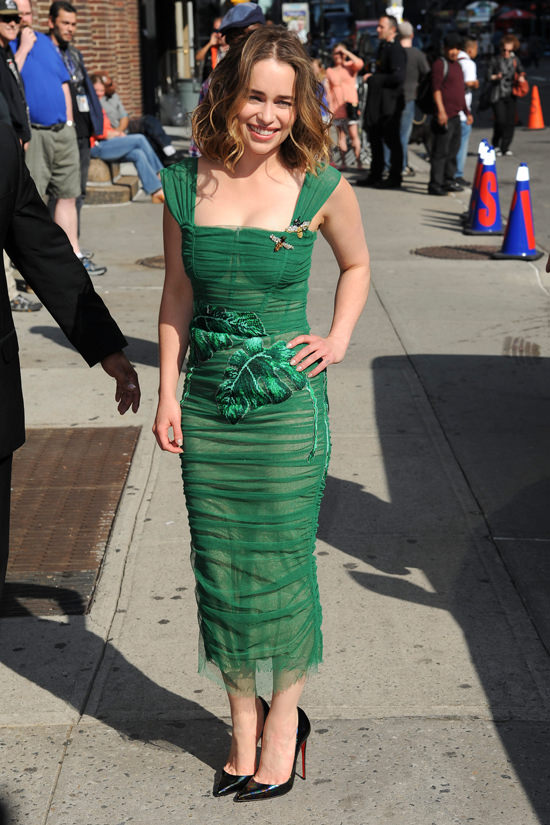 Style Double Shot Emilia Clarke in DolceGabbana and