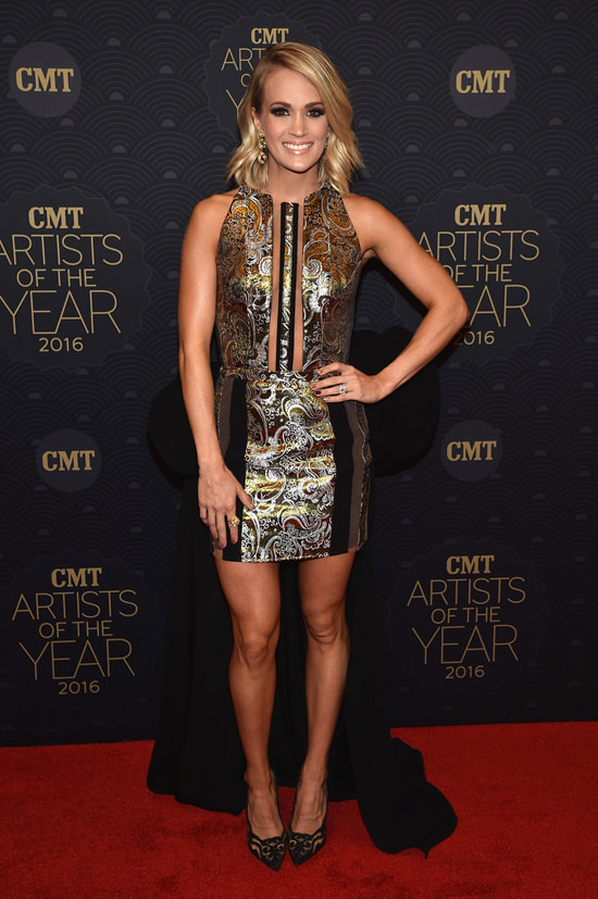 Blurtedout impressions of Carrie Underwoods Outfit at the CMT Artists of the Year Awards  Tom