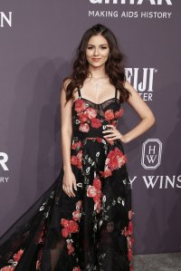 Victoria Justice in Marchesa at the 2017 amfAR New York ...