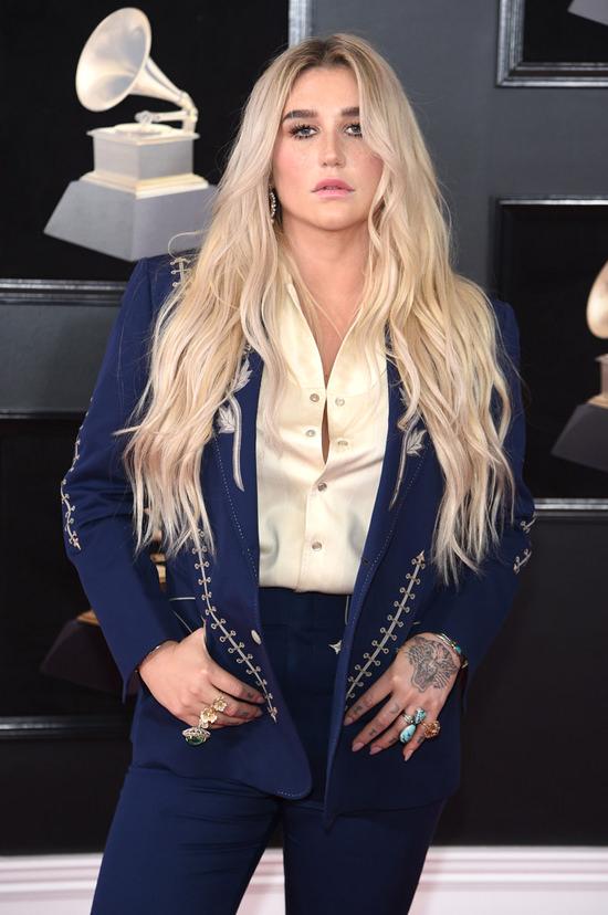 Grammys 2018 Red Carpet Report Kesha Saddles Up Tom