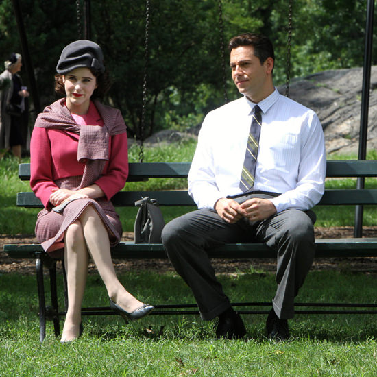Rachel Brosnahan And Zachary Levi Filming Quot The Marvelous