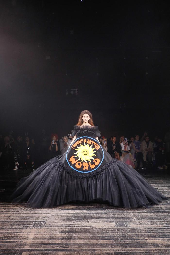 Paris Fashion Week Viktor Amp Rolf Spring 2019 Couture