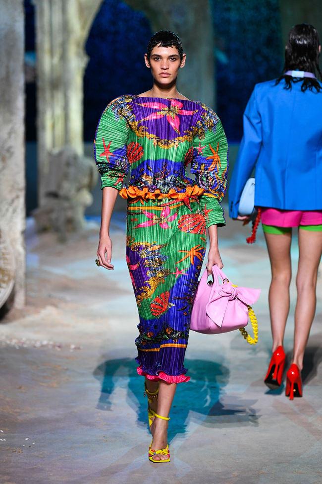Milan Fashion Week: Versace Spring 2021 Collection | Tom ...