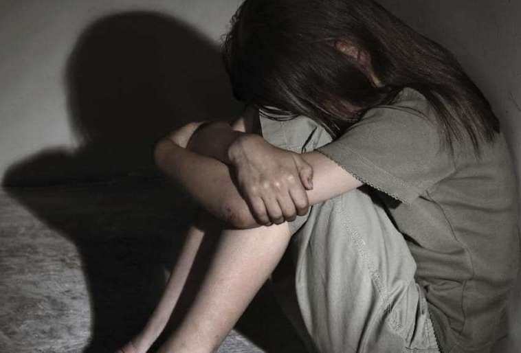 abuso sexual menor c