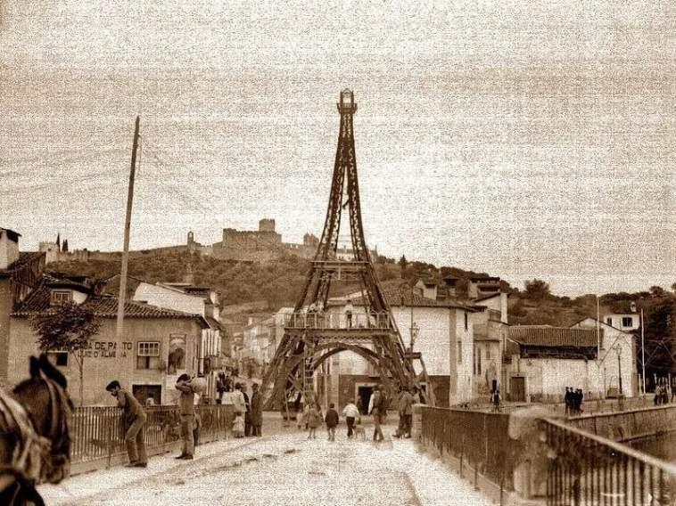 Torre Eiffel erquida em Tomar. Ponte Velha. Festa dos Tabuleiros de 1914