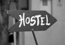 10 Awesome Perks of Living in a Hostel ( Hostel Life Experiences ) Tomatoheart.com 2