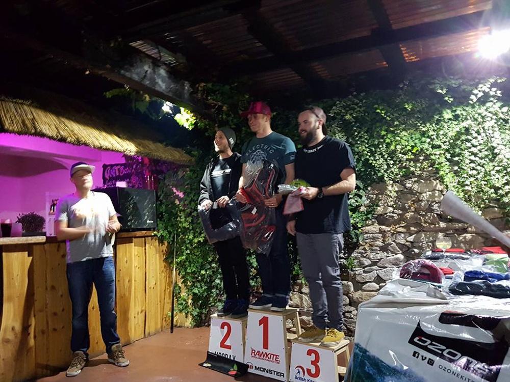 wavemasters-podium