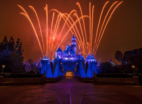 The #1 spot to watch the Disneyland fireworks. Read more: https://www.disneytouristblog.com/disneyland-fireworks-best-views/