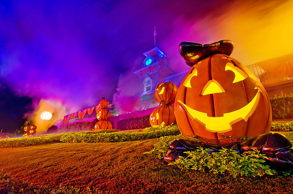 the first important tip is to pick the best day on your trip for mickeys not so scary halloween party some nights are busier than others and that post - Disney Halloween Orlando