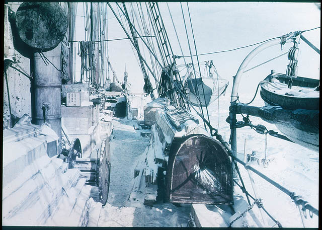 The Deck of the 'Endurance', 1915 / photographed by Frank Hurley