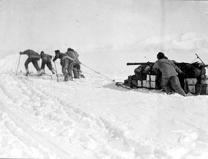 Man Hauling towards the Polar Plateau 1911