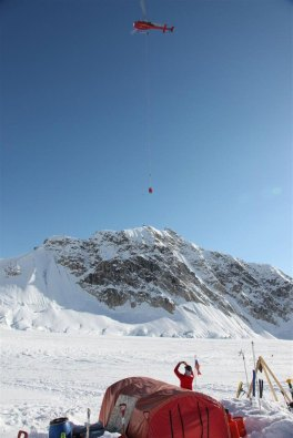 Jerry O'Sullivan is airlifted, from the the summit of Denali.