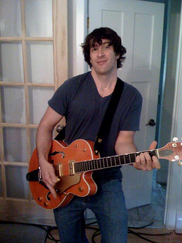 craig bancoff posing with my 6120. :)
