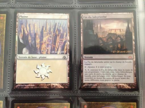 Les deux cartes offertes à tous ceux présent lors de la preview