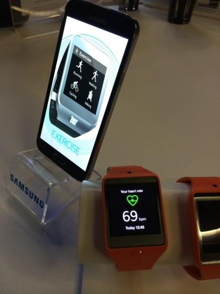 Samsung Galaxy S5 et Galaxy Gear