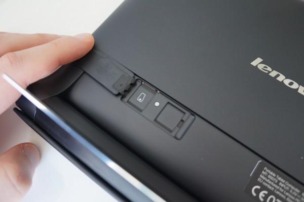 Emplacement de la SD card et de la SIM si vous optez pour la version 4G