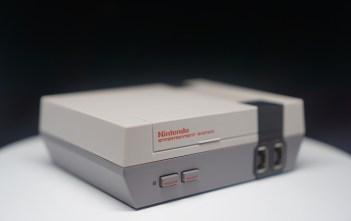 Unboxing Nintendo Classic Mini