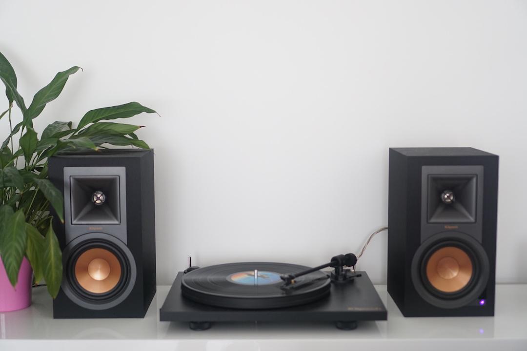 test kit platine et enceintes klipsch r 15pm. Black Bedroom Furniture Sets. Home Design Ideas