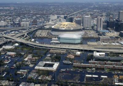 Navy_flooded_New_Orleans_20050901_trim