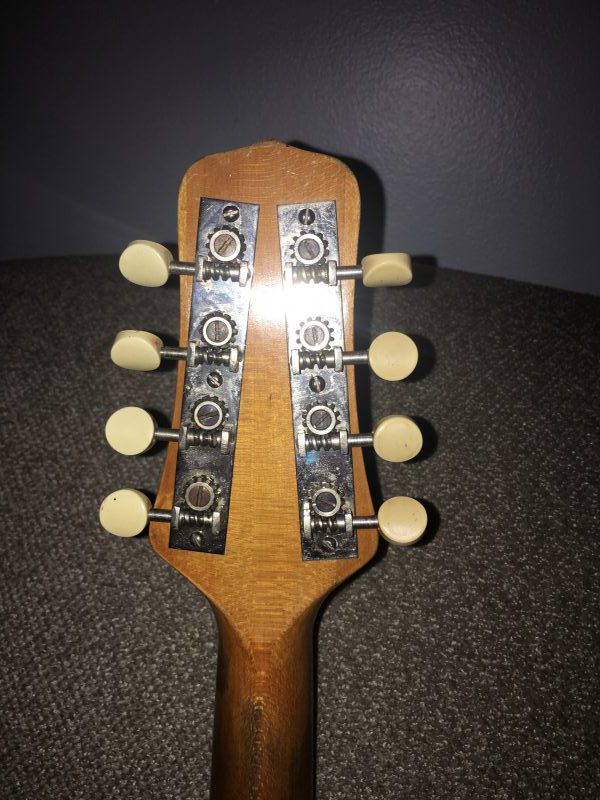 Gibson MB-1 back of tuners
