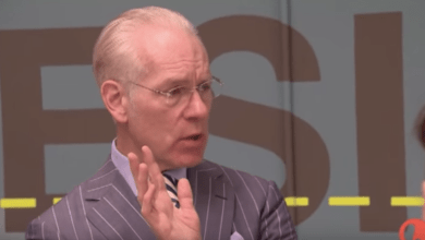 Photo of Tim Gunn, Master Teacher? Yup.
