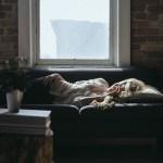 43. 【睡眠健康】 睡眠時間5時間未満では、心臓病のリスクは2倍に膨れ上がる