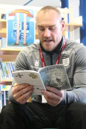 the-last-try-gareth-ellis-captain-of-hull-fc