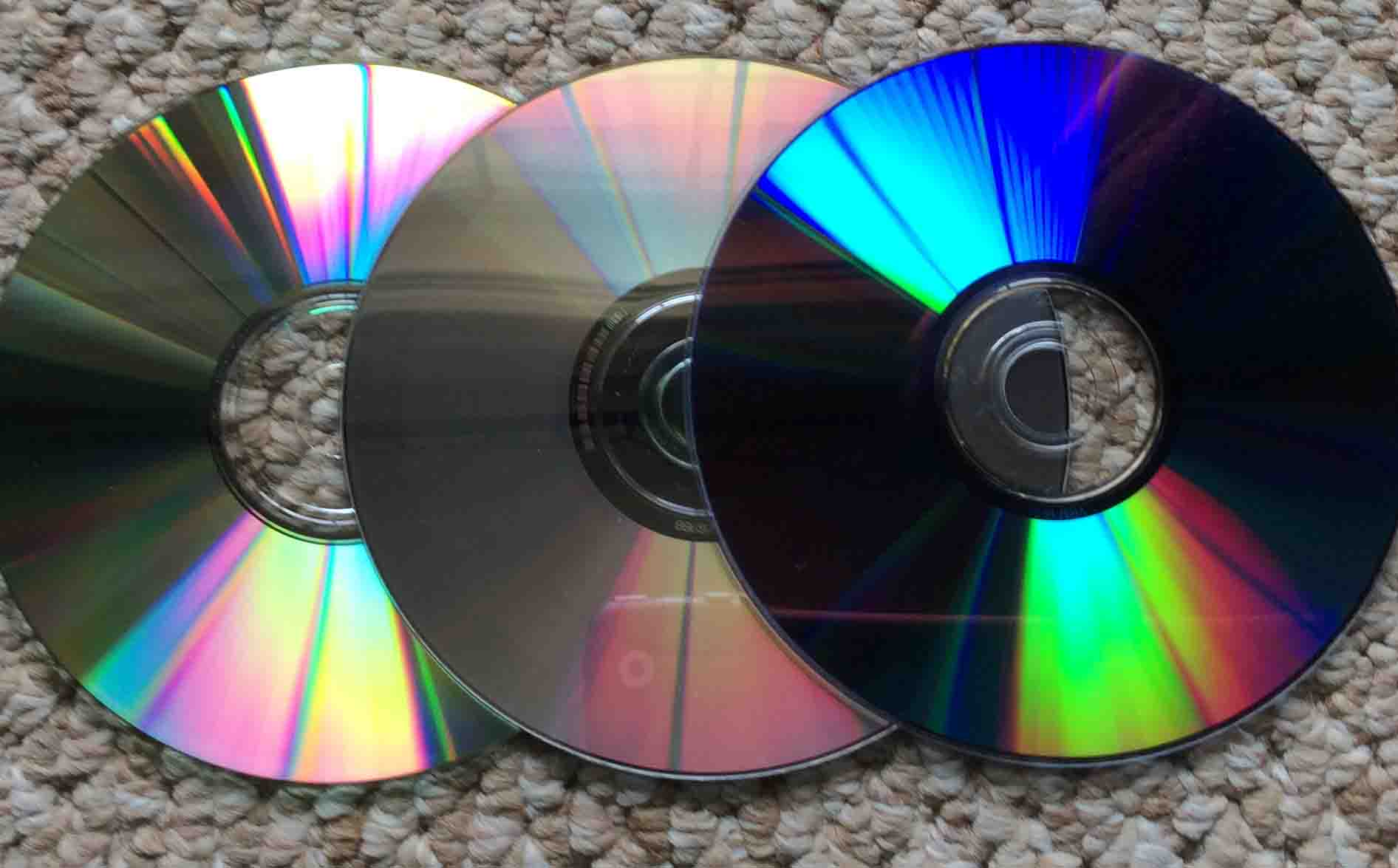 How to Fix a Scratched PS3 Disc, PS3 CD, PS3 DVD | Tom's Tek