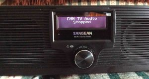 Picture of the Sangean WFR-20 radio, displaying the Internet Station Stopped Message.