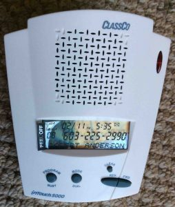 Picture of the ClassCo InTouch 5000 talking caller Id box, front view.