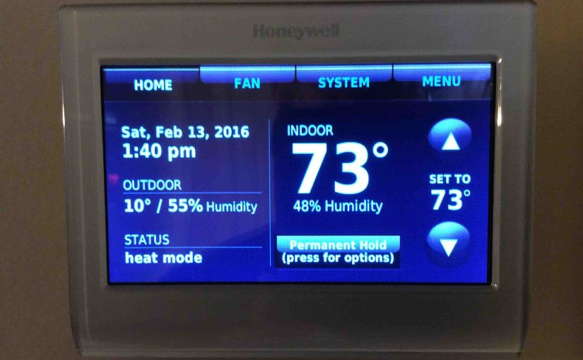 Picture of the Honeywell RTH9580WF WiFi Smart Thermostat, displaying the Home screen.
