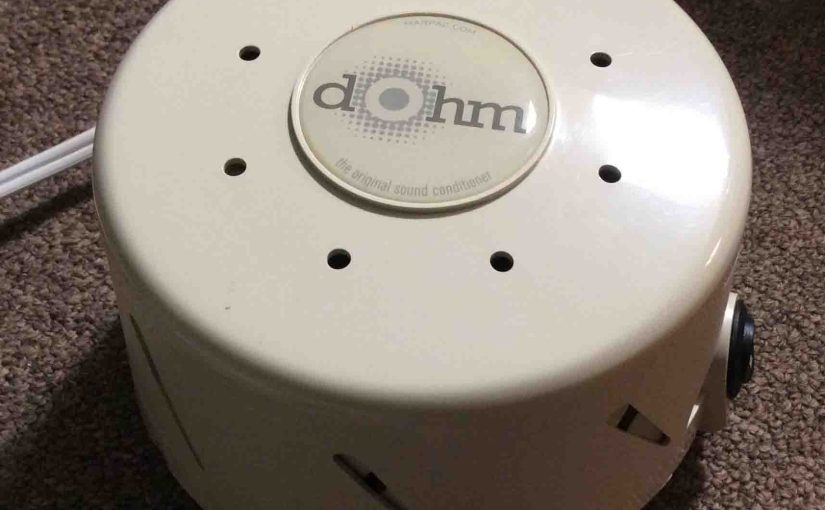 Picture of the Dohm DS White Noise Machine, Top View.