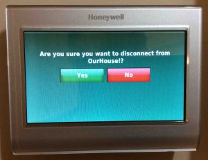 Picture of the Honeywell RTH9580WF smart t-stat , displaying the WiFi Network Disconnect Confirmation prompt screen.
